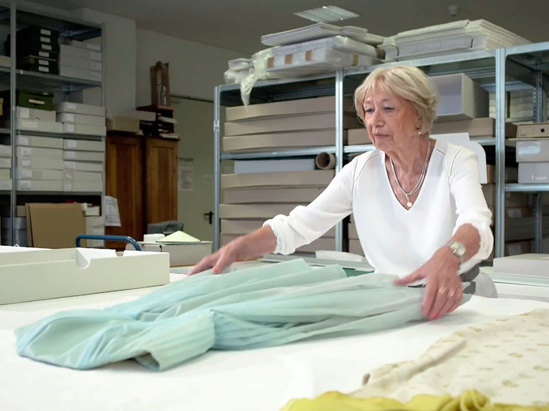 Näherin Ursula Beutler erinnert sich an Kostüme für Frau Ulbricht