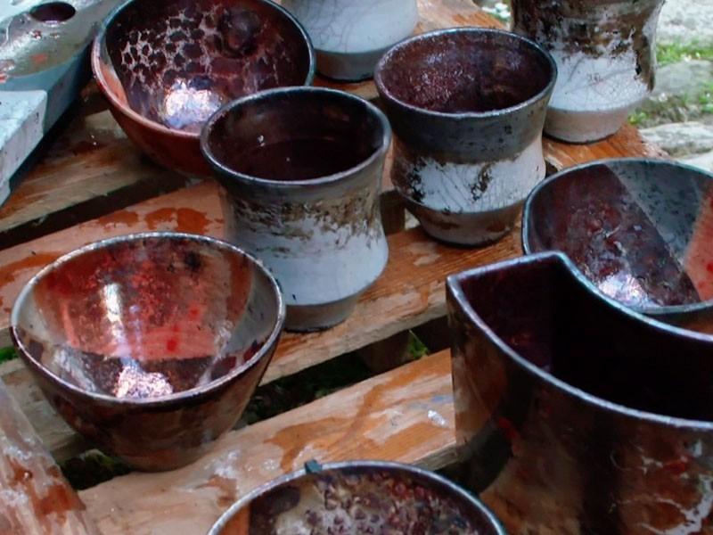 Bürgeler Keramik muss nicht immer Blau-Weiß sein