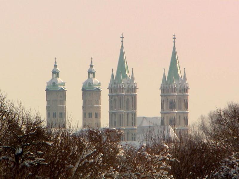 1243 erreicht der Meister mit seinem Gefolge den Naumburger Dom