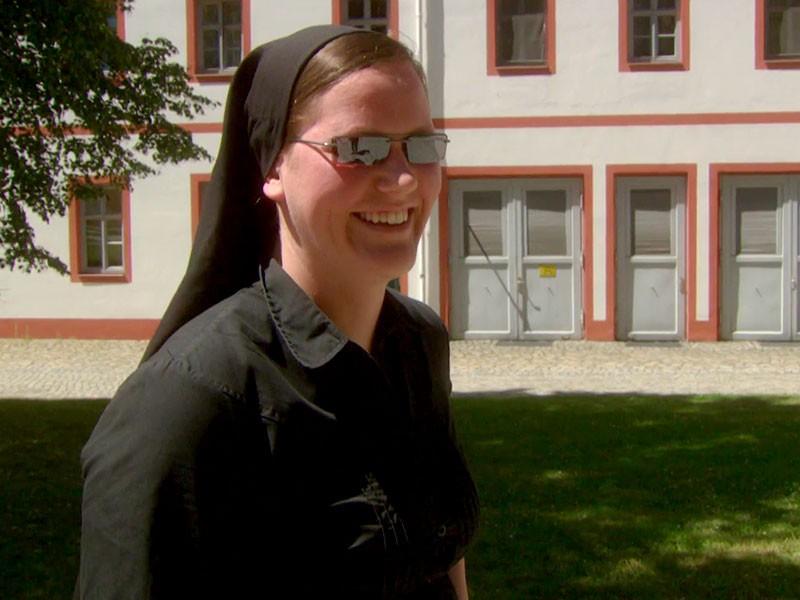 die Theologiestudentin Margarethe zieht mit 24 auf Probe ins Kloster